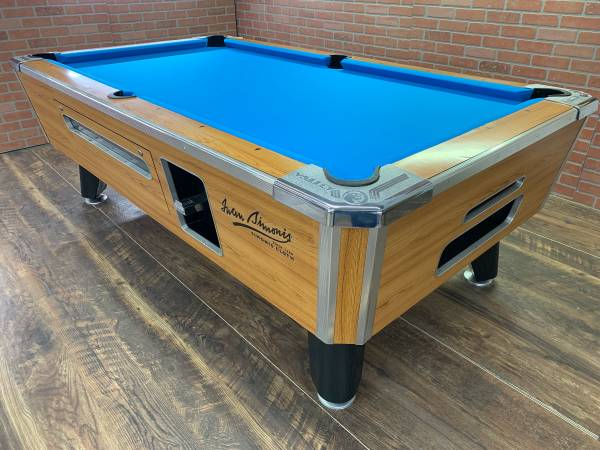Photo Refurb 739 Valley pool table  bar pool tables - $1200