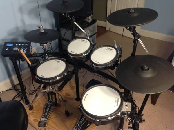 Photo Roland Drum Set like new V-Drums TD-25 - $1450