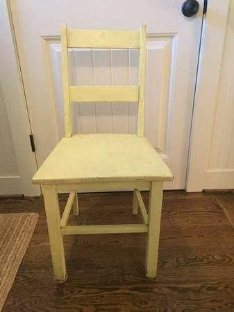 Photo Shabby chic chair - $15 (Cahaba Heights)