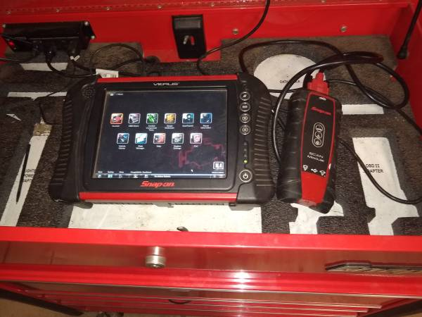 Photo Snap on tool box with scan tool - $1600 (Huntsville)