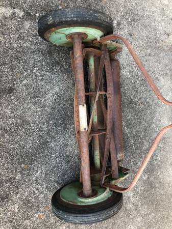 Photo Vintage Craftsman Reel Mower - $35 (TrussvillePinson)