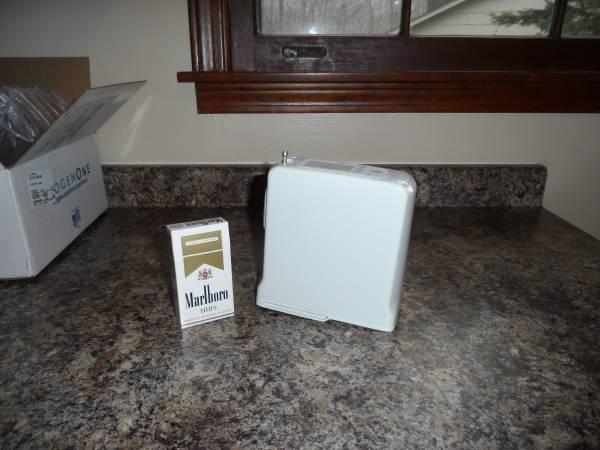 Photo WORLDS NEWESTSMALLEST PORTABLE OXYGEN CONCENTRATOR (Trussville  So. Roebuck)