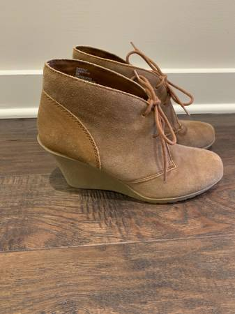 Photo White Mountain Suede Booties Sz 8 - $20 (Inverness)