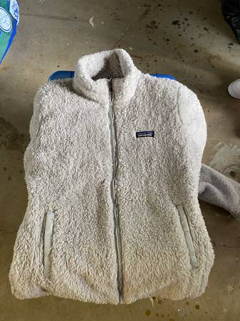 Photo Womens Patagonia Jacket - $45