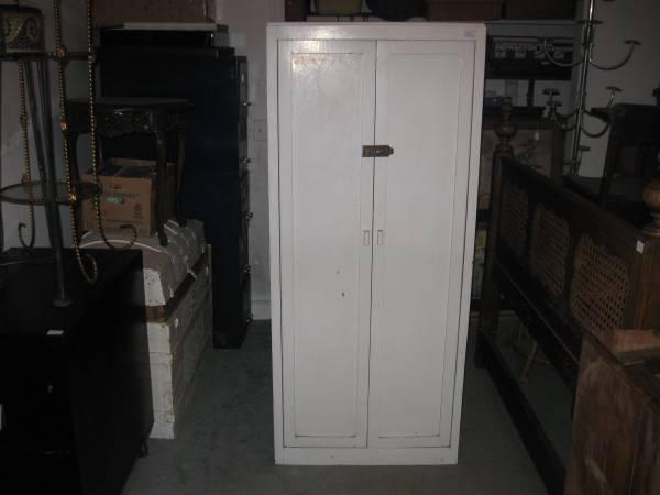 Wood Kitchen Cabinet - $60 (Jasper,Al.)