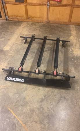 Photo Yakima roof rack - $200 (Alabaster)