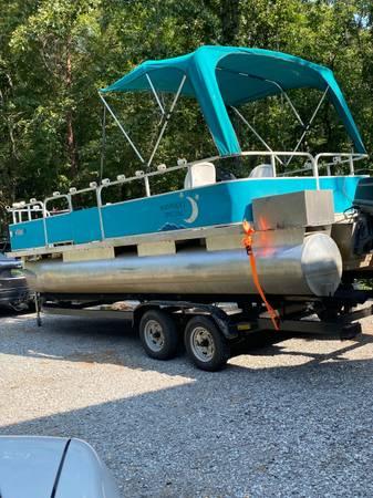 Photo fishing pontoon( used for night fishing) - $1,900 (Shelby)