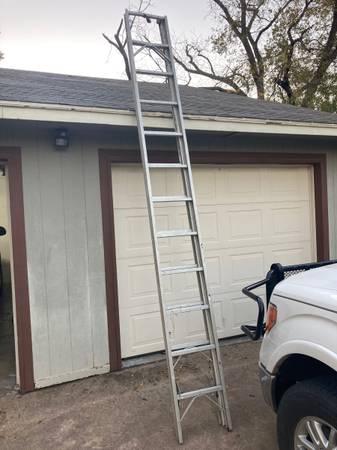 Photo 12-22 Ft Ladder - $135 (San Angelo)