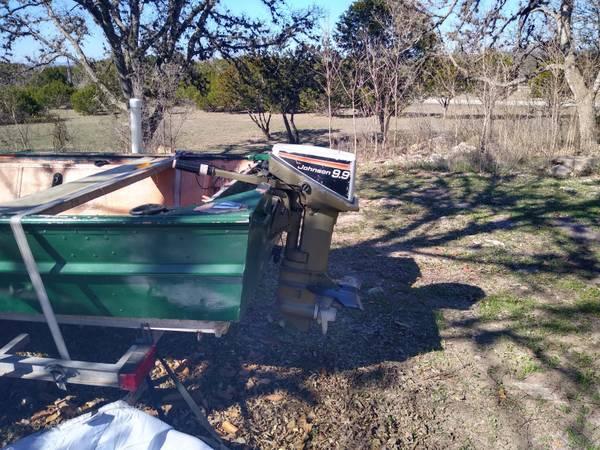 Photo 1539 Jon Boat w9.9 Johnson Outboard - $3,750 (Pipe Creek)