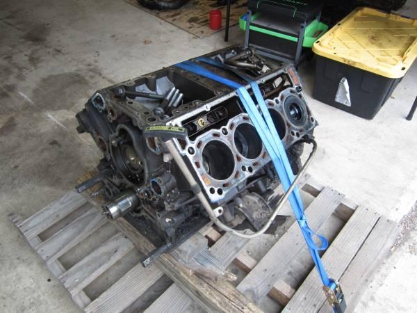 Photo 2004 Ford F250 F350 6.0 Diesel Engine Block - $300 (Bulverde)