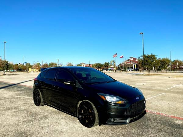 Photo 2014 FORD FOCUS 5DR HB STCOBB TUNERCLEAN CARFAX ASK FOR ANDY - $11,897 (San Antonio)