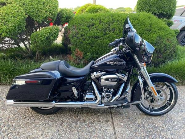 Photo 2019 Harley-Davidson FLHX Street Glide - $22,752 (Harley-Davidson FLHX Street Glide)