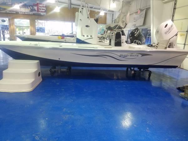 Photo 2021 Blue Wave 2200STL Riser wSuzuki 200hp 4-stroke POCWAYNE WOODY - $525 (San Antonio,TX)