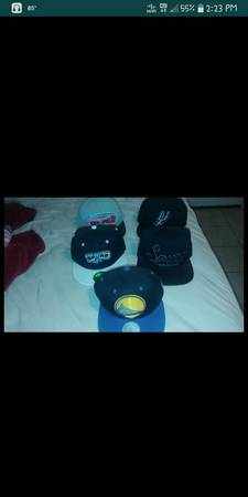 Photo 4 SPURS SNAP BACK AND 1 GOLDEN STATE SNAPBACK - $100 (San antonio)