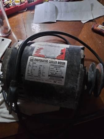 Photo AIR CONDITIONING MOTOR - $20 (El Paso)
