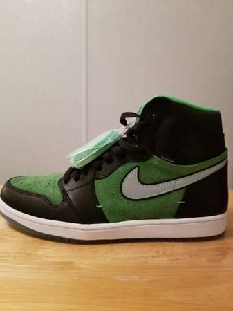 Photo DS MENS SIZE 10.5 Air Jordan 1 High Zoom Zen RAGE Green - $180 (Seguin tx)