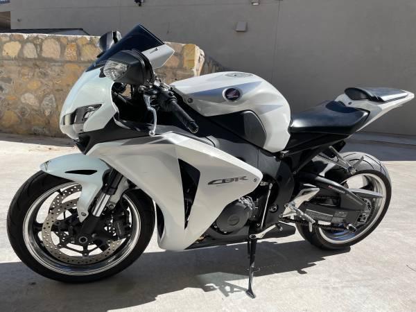 Photo Honda CBR 1000RR 2009 - $8,500 (El Paso)