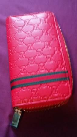 Photo Inspired Gucci wallet - $50 (San Antonio)