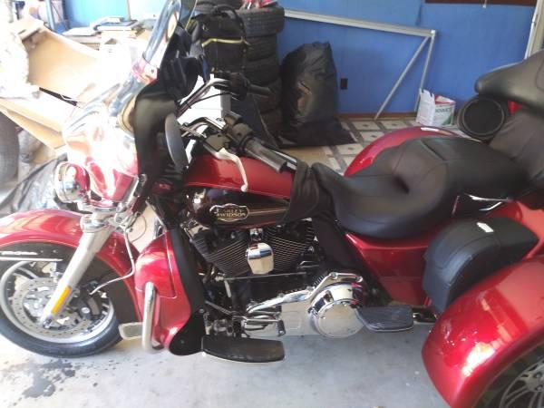 Photo Like New 2012 Harley Davidson trike - $19,900 (New Braunfels)