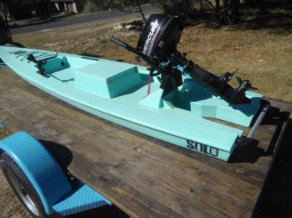 Photo Solo Skiff 5 HP engine plus custom trailer - $5,200 (Bulverde)
