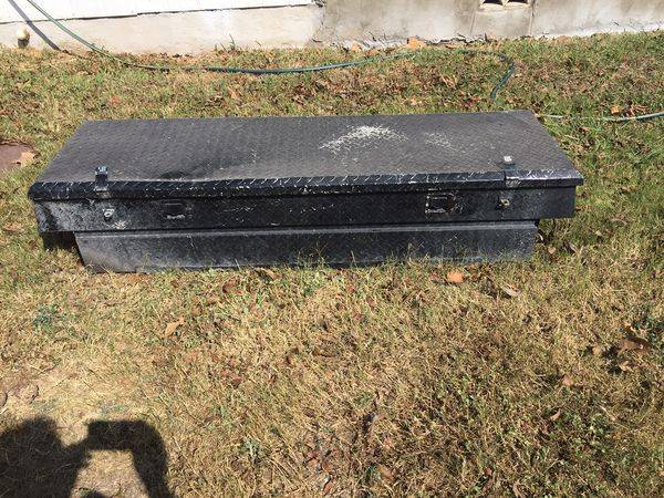 Photo Used Truck Tool Box NO Keys - $65 (San Antonio)