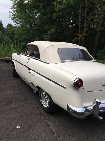 Photo 1954 Ford convertible - $25000 (Port Crane)