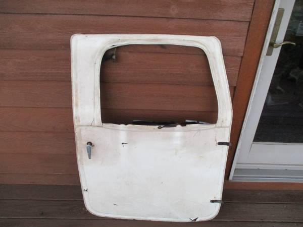 Photo 1974 toyota landcruiser genuine factory oem right door and frame hinge - $150 (coventry new york)