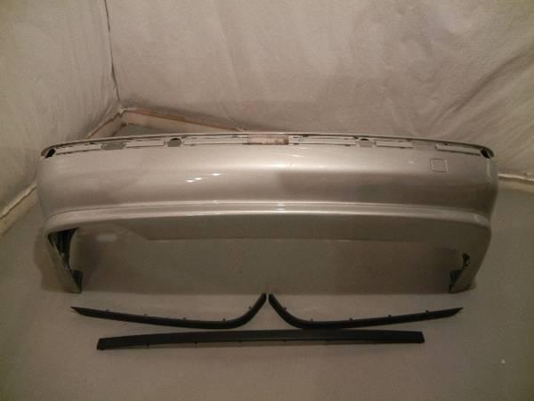 Photo 1997-2000 BMW e39 525i 530i 540i Rear Back Bumper Cover Titan Silver - $150 (Fairport, NY)