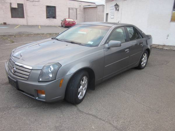 Photo 2005 cadillac cts - $4,200 (johnson city)