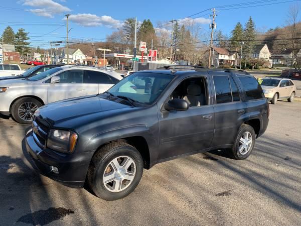 Photo 2006 Chevy trailblazer - $3250 (Binghamton)