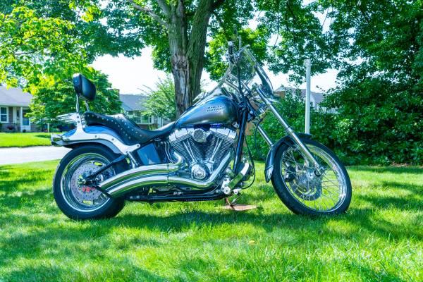 Photo 2007 HARLEY DAVISON FX CUSTOM SOFTAIL - $9,149 (LANCASTER)