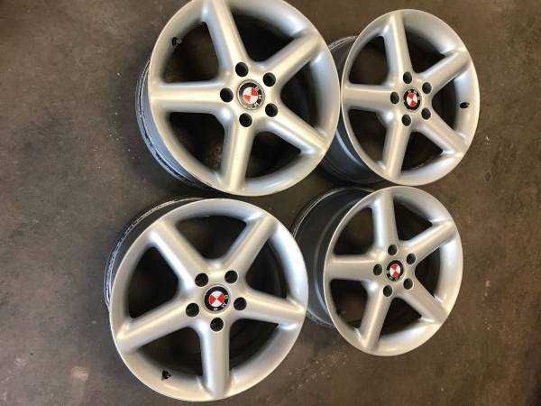 Photo 4 ALMOST NEW 17X8.5 ET45 17quot OEM BMW ALLOY WHEELS - $275 (ENDWELL)