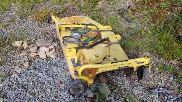 Photo 72quot John Deere Mower Deck(Price Reduced) - $375 (hancock)