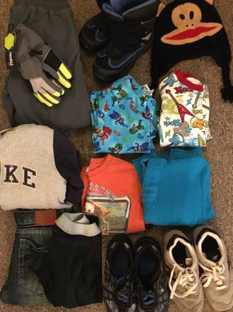 Photo Boys Size 6 clothes, Size 2 shoes  Boots - $20 (Bainbridge)