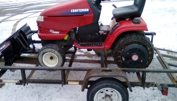 Photo CRAFTSMAN GT5000 RIDING MOWER WITH PLOW - $700 (Owego)
