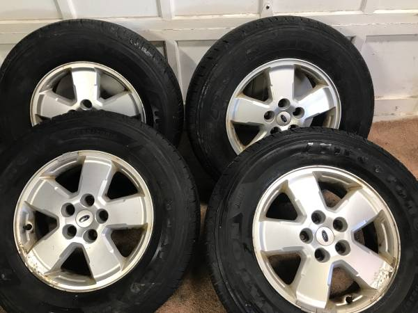 Photo Excellent set 42357016 wheels and tires was on 2008 Ford Scape - $300 (Binghamton)