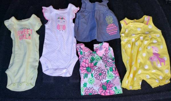 Photo Lot of 5 NEW Carter39s Just One You NB Newborn Outfits Clothes - $5 (Endwell)