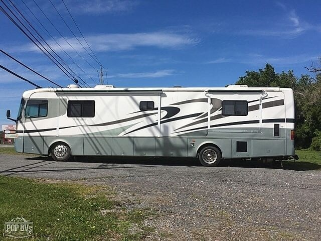 Photo 2001 Holiday Rambler Endeavor 36 $ 38800  Make an Offer