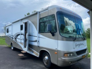Photo Used 2006 Forest River Class A RV  $35000