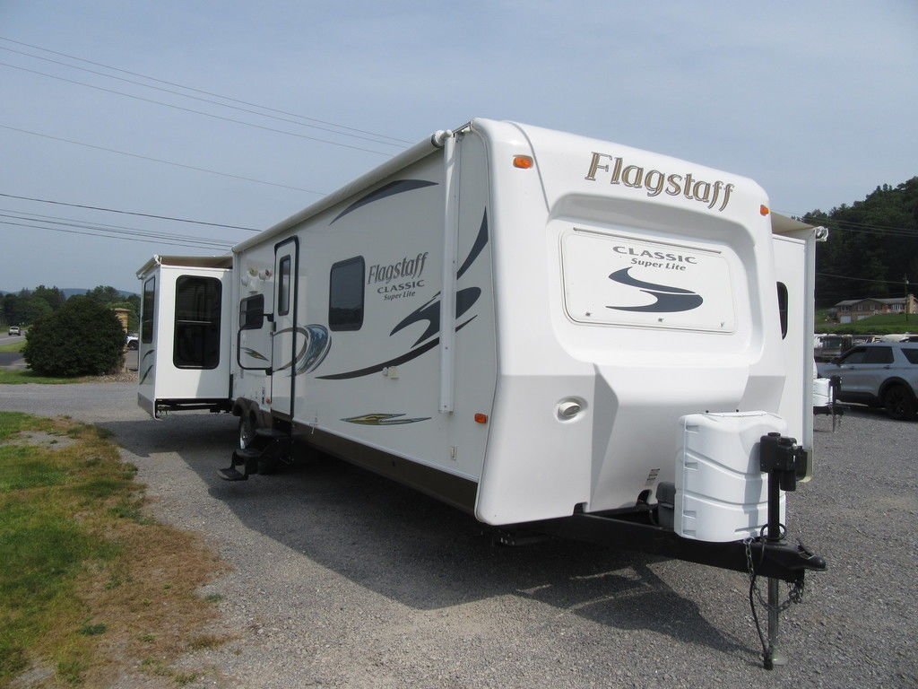 Photo Used 2015 Forest River Travel Trailer Travel Trailer RV  $24900