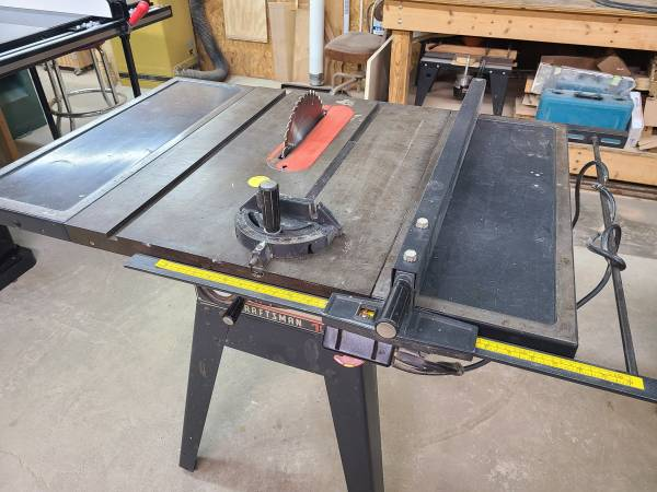 Photo 10quot Craftsman table saw - $350 (Christiansburg)