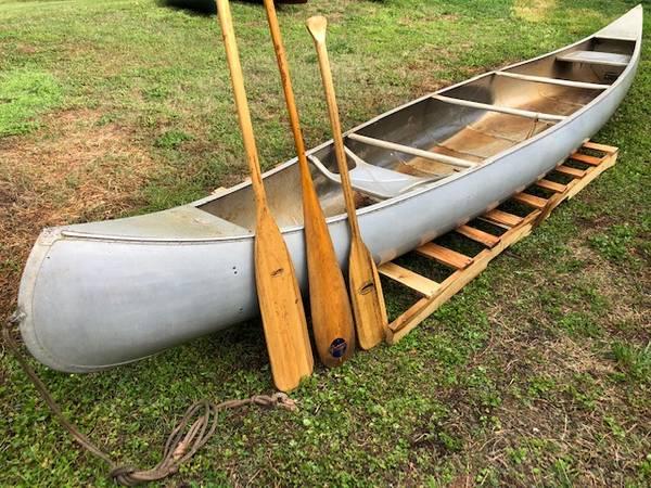 Photo 1739 Grumman G-17 Double-Ender Aluminum Canoe - $500 (Graham)