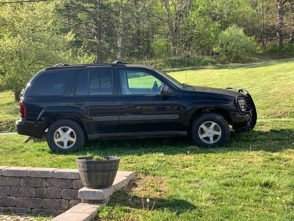 Photo 2005 Chevy Trailblazer - $2900 (Pembroke, Va)