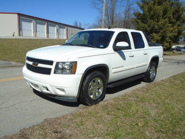 Photo 2007 CHEVY AVALANCHE LT CREW CAB 4X4 4-SP AUTOMATIC PICKUP TRUCK - $6995 (PEARISBURG)