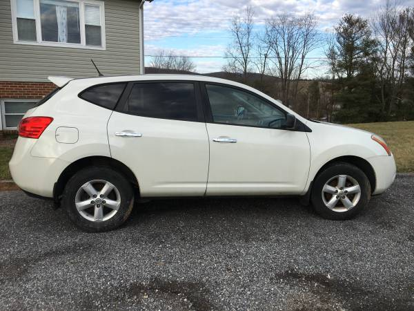 Photo 2010 Nissan Rogue sports utility - $1800