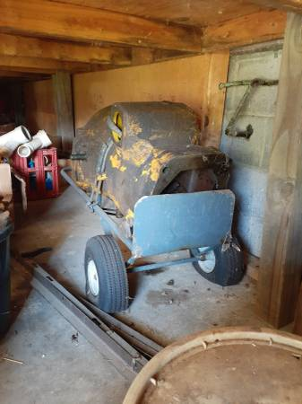 Photo 350 John Deer loader - $300 (Pulaski Va.)