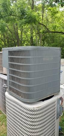 Photo 4 ton Goodman R-22 condensing unit,runs great - $400 (bedford)