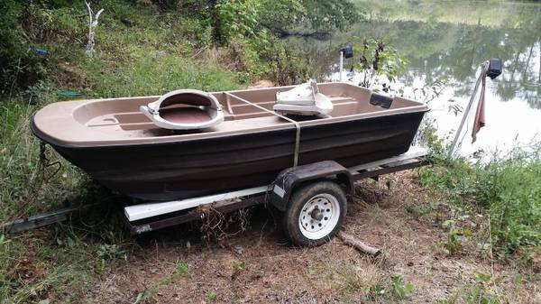 Photo Bass Pond Boat with Trailer - $600 (Ruffin, NC)