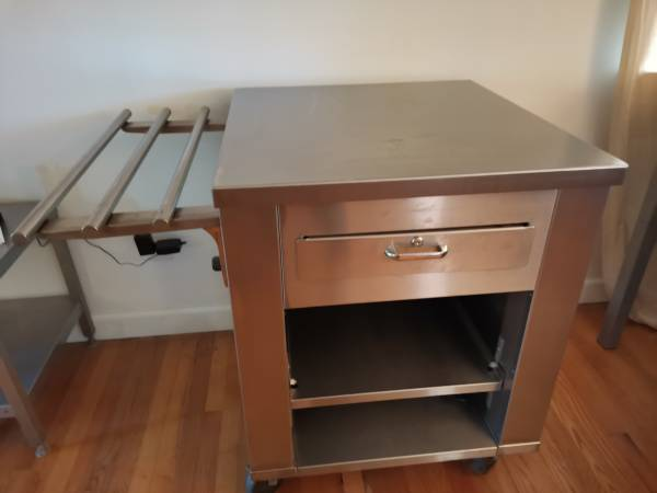 Photo Commercial Grade Stainless Steel Kitchen Cart  Island on Wheels - $199 (Blacksburg)