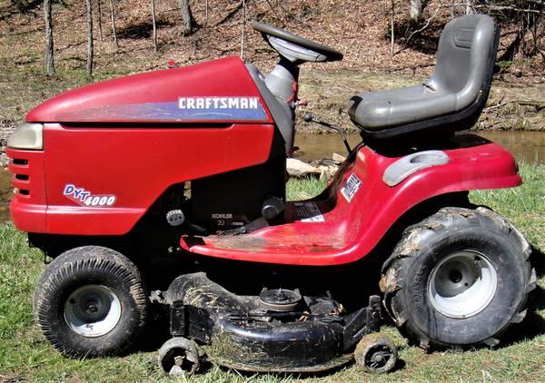 Photo Craftsman 20 hp, elect. clutch, 6 spd tractor mower - $550 (GalaxHillsville area)